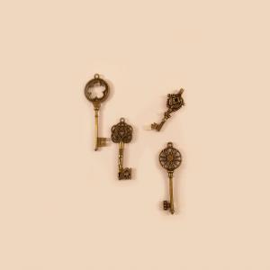 Set de llaves similar antiguas